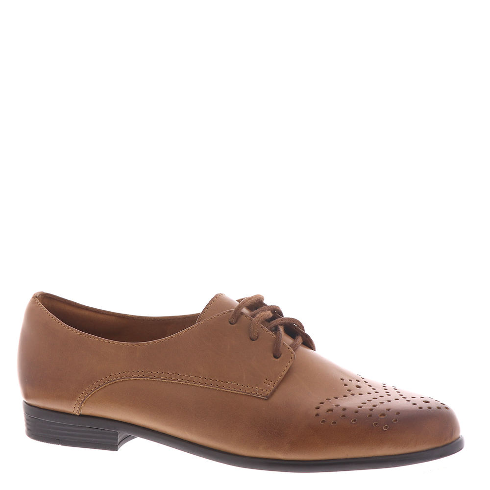 Cottagecore Clothing, Soft Aesthetic Trotters Livvy Womens Brown Oxford 12 M $114.95 AT vintagedancer.com
