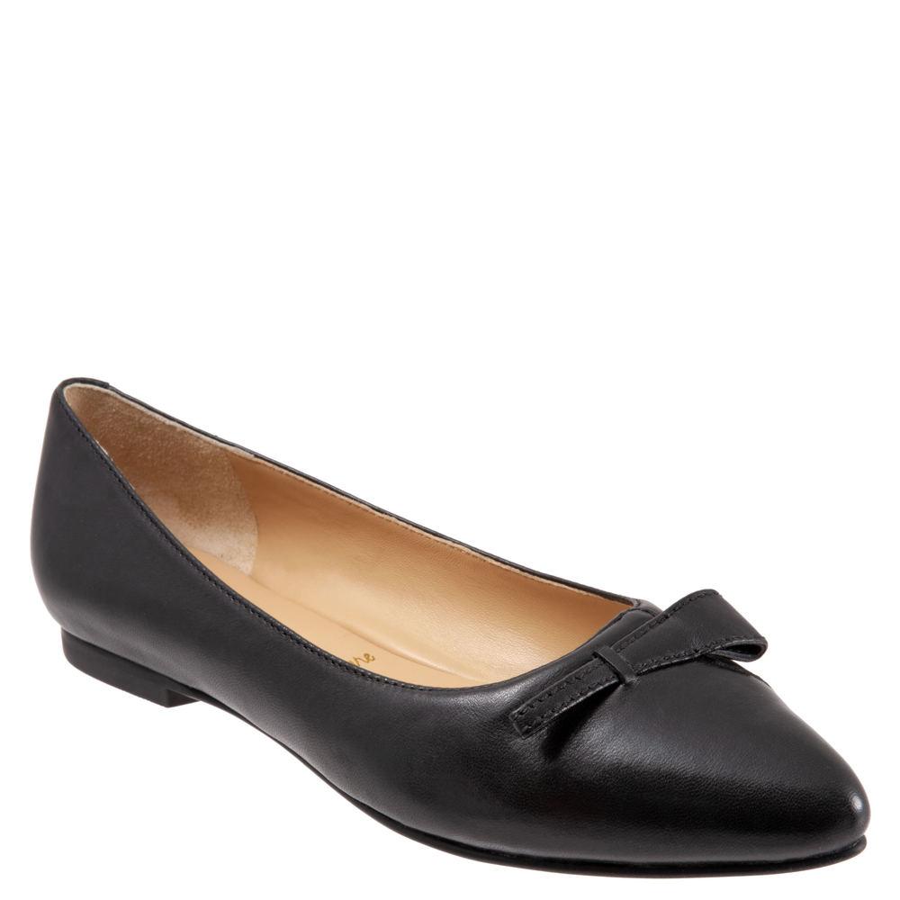 Retro Vintage Flats and Low Heel Shoes Trotters Erica Womens Black Slip On 9.5 M $119.95 AT vintagedancer.com