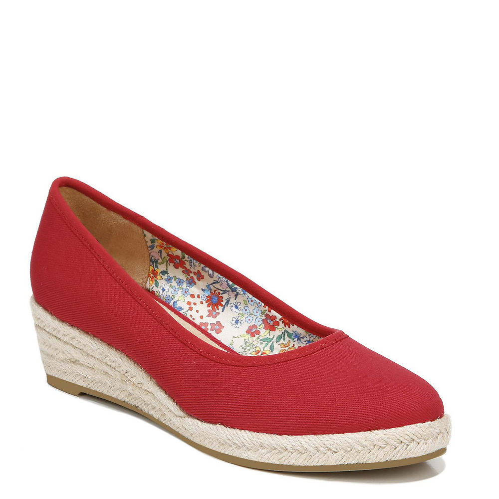1940s Style Shoes, 40s Shoes, Heels, Boots Life Stride Karma Womens Red Slip On 9 W $69.95 AT vintagedancer.com