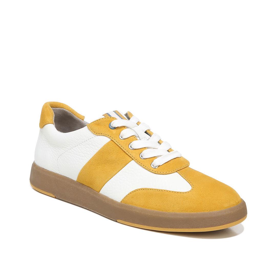 70s Shoes, Platforms, Boots, Heels | 1970s Shoes Naturalizer Evin-Lace Womens White Slip On 7 W $109.95 AT vintagedancer.com