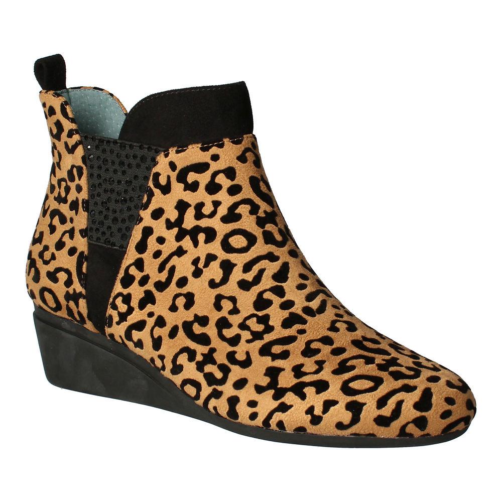 1980s Clothing, Fashion | 80s Style Clothes J. Renee Hemalia Womens Brown Slip On 8 M $118.95 AT vintagedancer.com