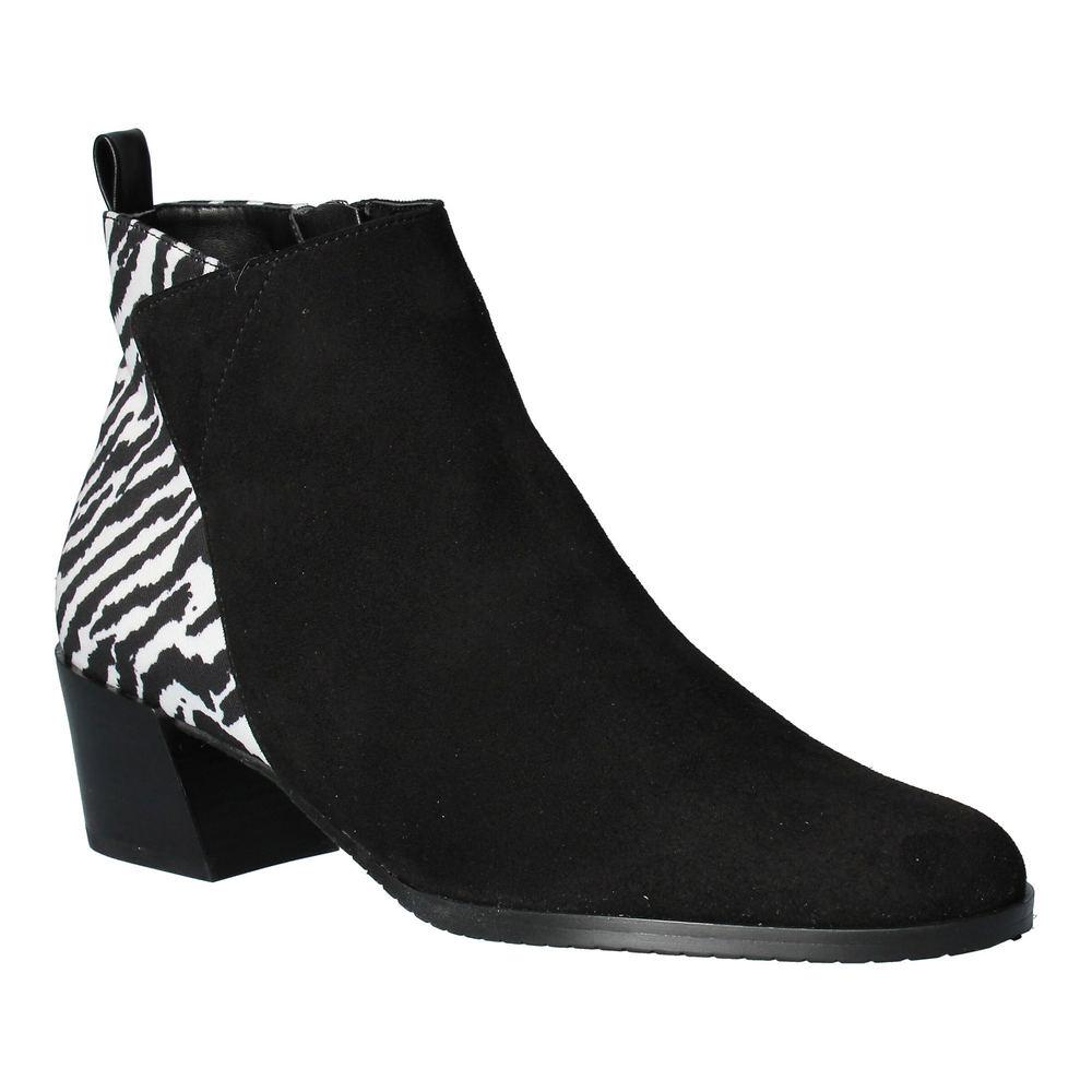 70s Shoes, Platforms, Boots, Heels | 1970s Shoes J. Renee Halsie Womens Black Slip On 12 W $128.95 AT vintagedancer.com