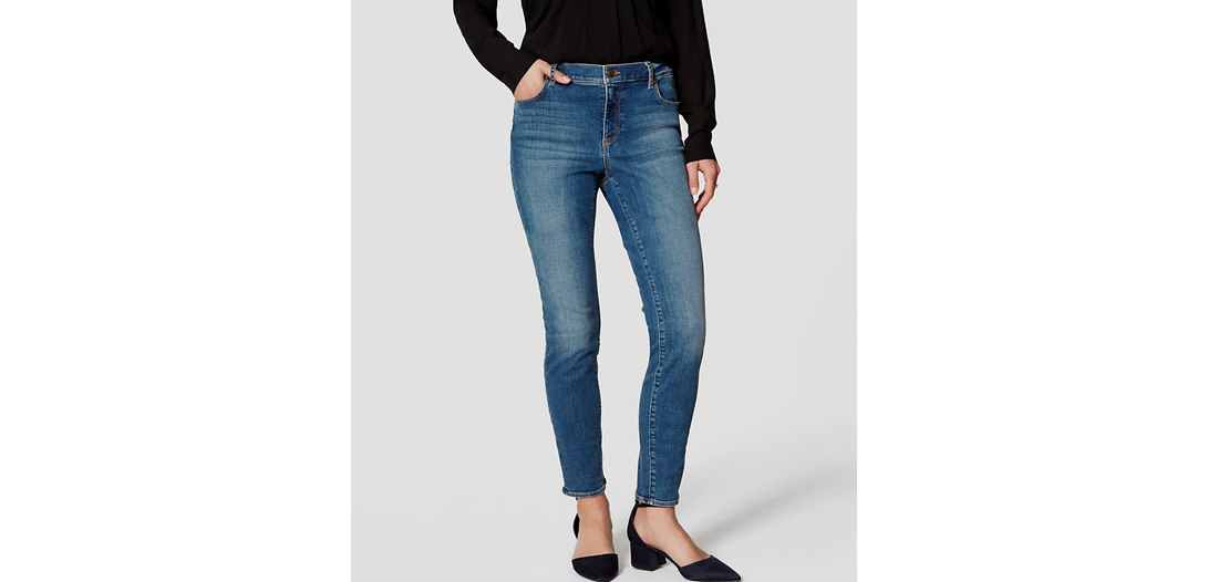 LOFT Curvy Skinny Jeans in Authentic Mid Indigo Wash