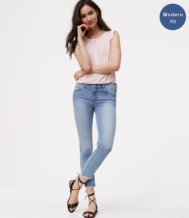 Petite Modern Frayed Skinny Crop Jeans in Authentic Light Indigo Wash