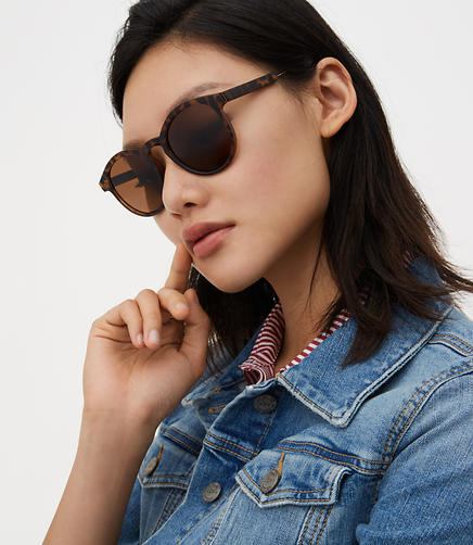 Image of Matte Tortoiseshell Print Round Sunglasses