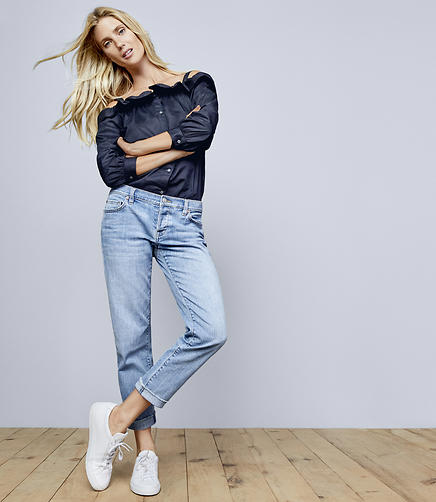 Boyfriend Jeans in Light Indigo Wash