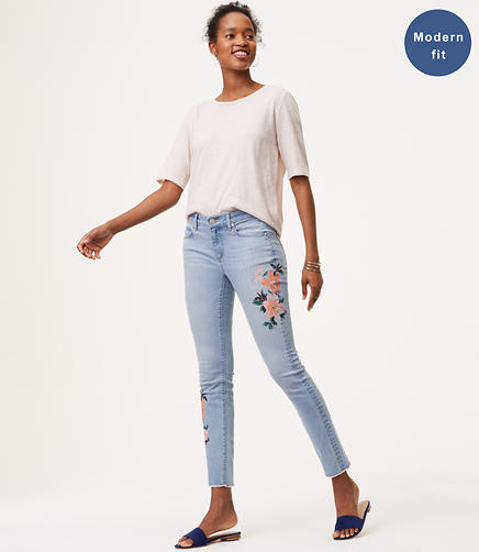 Image of Modern Floral Frayed Skinny Ankle Jeans in Indigo Wash