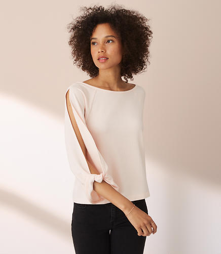 Lou & Grey Signaturesoft Twist Sleeve Top