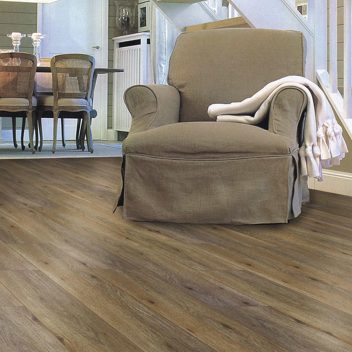 G E F Collection Registered Embossed Oak 16 5 Cm 6 5 In Laminate Flooring