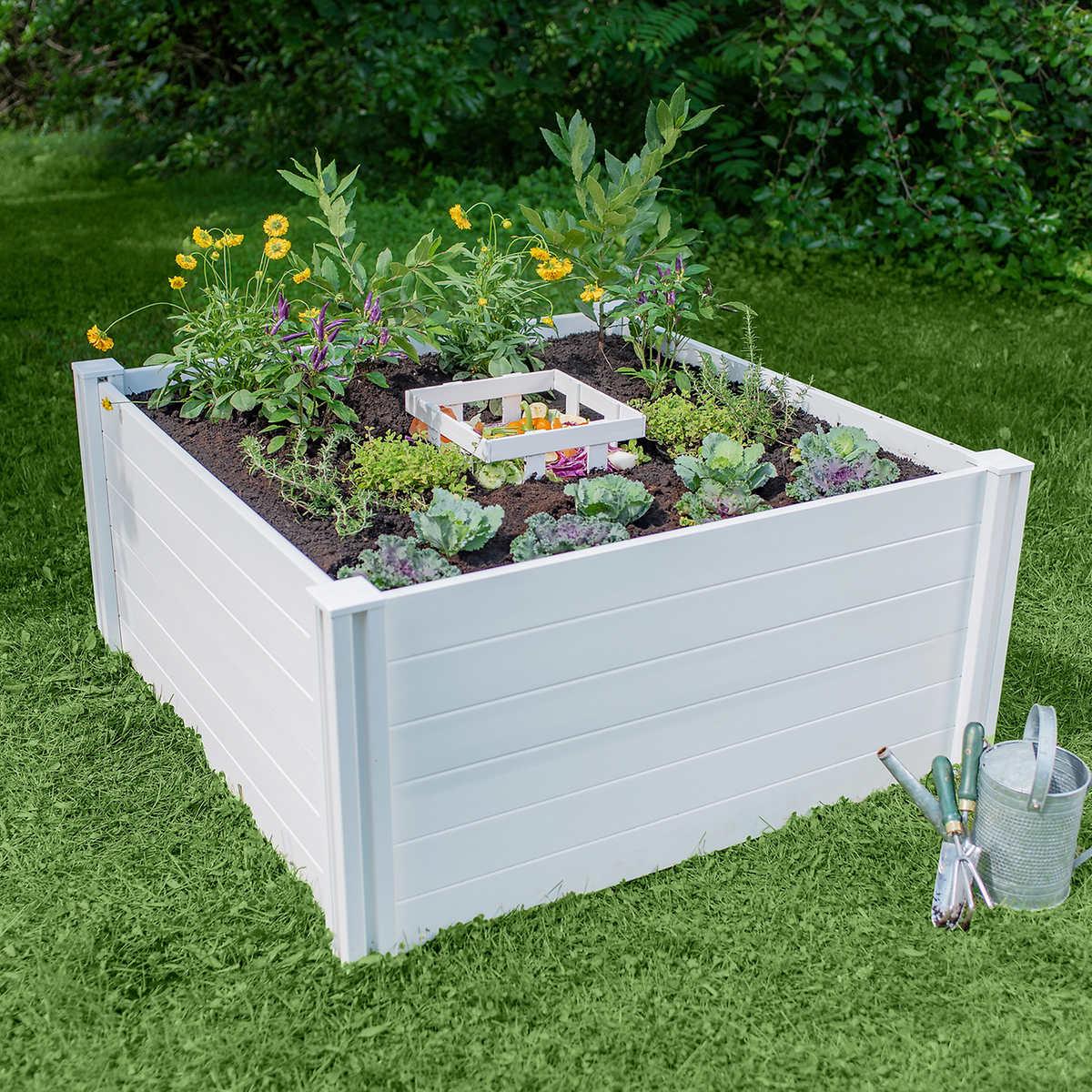 4 ft. x 4 ft. Composting Keyhole Garden Bed