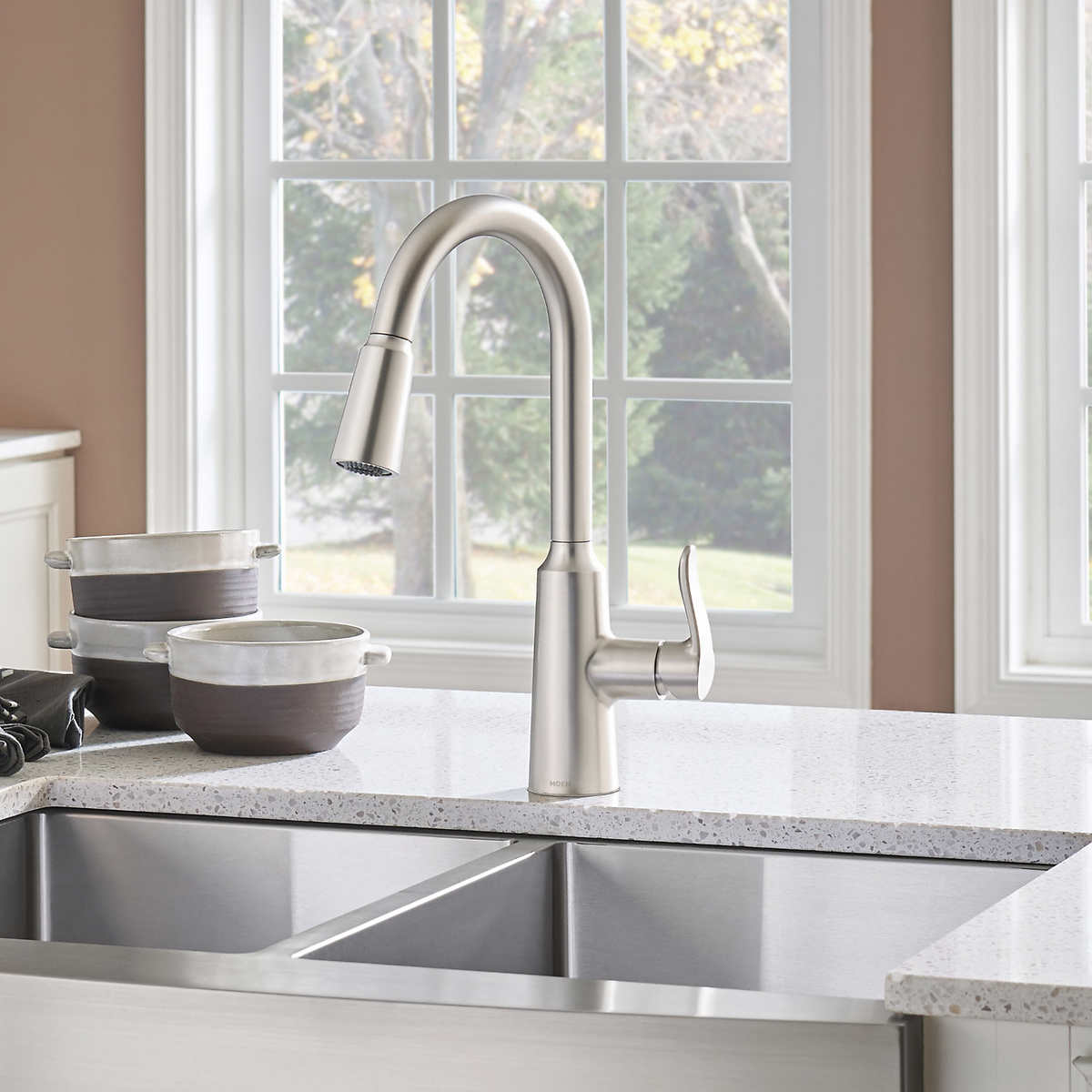 Waterridge Capo Commercial Pull Down Kitchen Faucet
