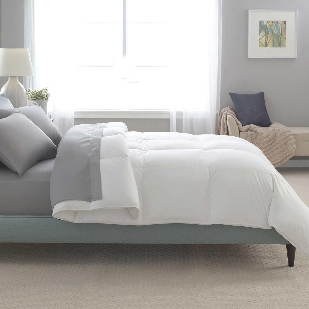 kirkland signature white goose 370tc down comforter u2013 year round