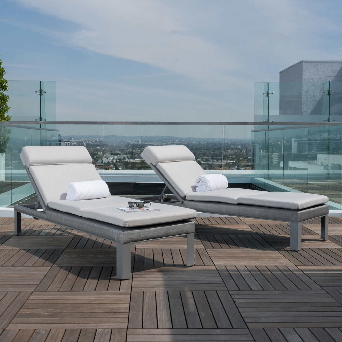 Modern chaise outdoor - Click To Zoom