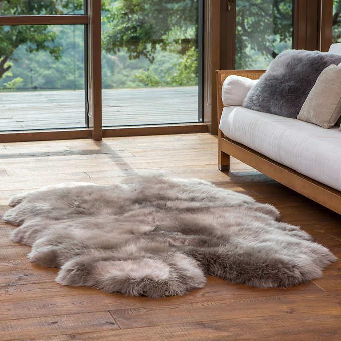 Quad Sheepskin Rug Tan 1