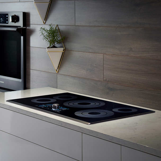 Samsung 30 in. 5-Element Electric Cooktop with Sync Elements and Wifi  Connectivity