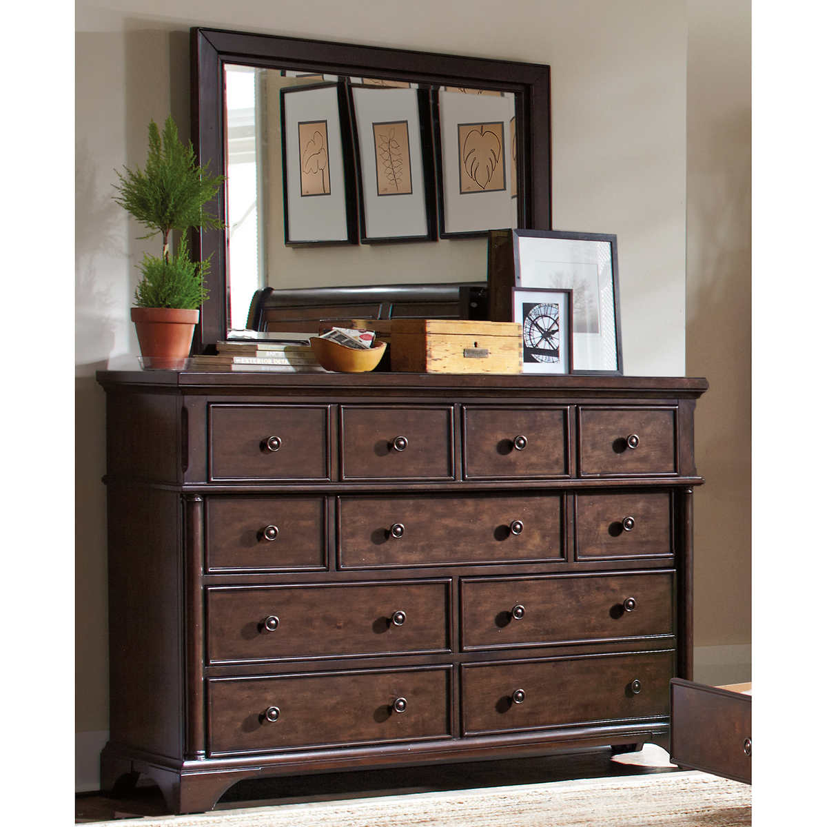 Another word for dresser bestdressers 2017 for Mirror synonym