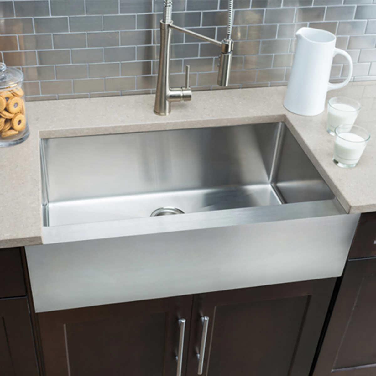 Hahn Chef Series Large Flat Front Farmhouse Sink