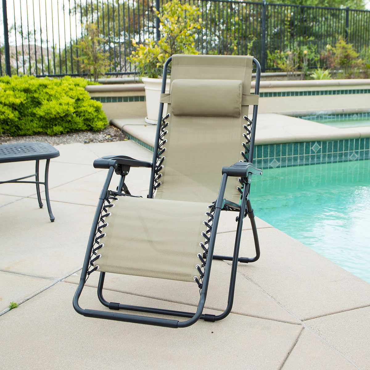 Folding outdoor lounge chair - Zero Gravity Reclining Outdoor Lounge Chair Click To Zoom