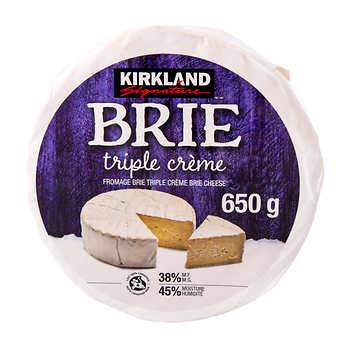 Kirkland Signature Triple Crème Brie, 650 g
