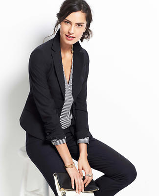 Find the perfect suit for your next big meeting, job interview, or event. From classic suit styles to fun and vibrant colors, Ann Taylor Factory has great suits for the modern and fashionable woman.