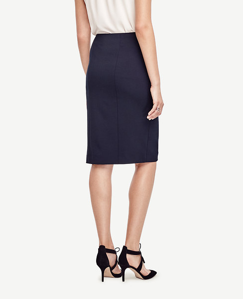 Seasonless Stretch Pencil Skirt