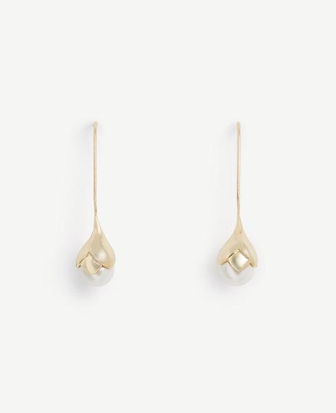 Pearlized Flower Earrings