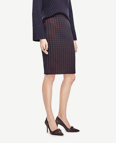 Image of Quilted Houndstooth Pencil Skirt