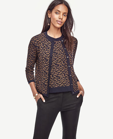 Image of Wavy Jacquard Cropped Ann Cardigan