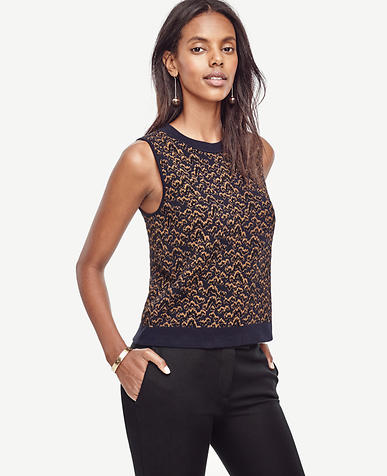Image of Wavy Jacquard Cropped Ann Shell