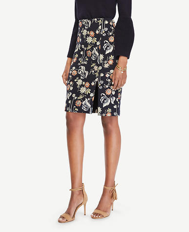 Image of Curvy Garden Jacquard Pencil Skirt