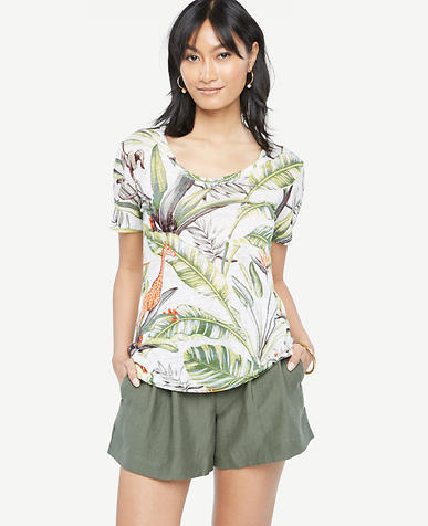 Image of Scoop Neck Linen Sunday Tee - In Tropical Print