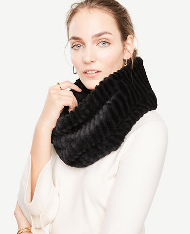 Ribbed Faux Fur Snood